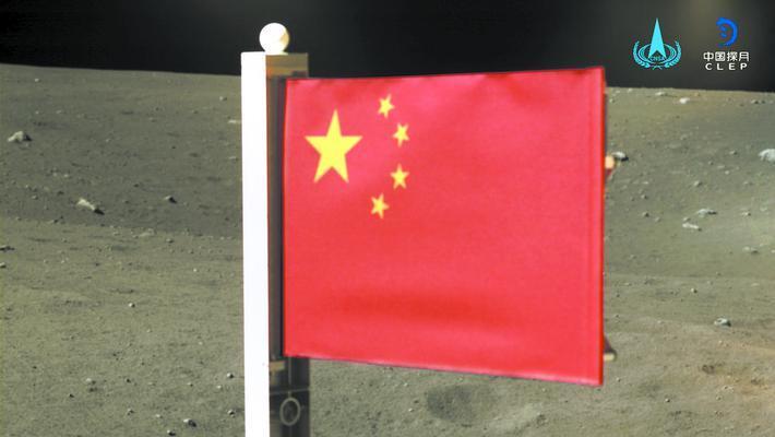 在月球上竖起五星红旗有多难?