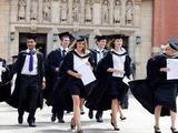 英國公立中學也想招中國學生掙錢
