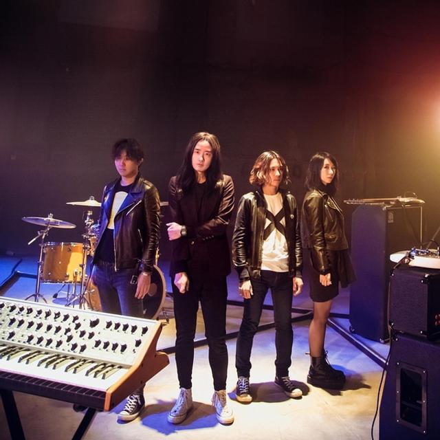 缝纫机乐队电影_新浪娱乐讯 由大鹏导演的乐队主题音乐电影《缝纫机乐队》正式上映,新
