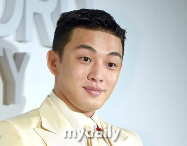 新浪娱乐讯 10月11日下午,韩国艺人刘亚仁在首尔出席了某品牌举行的宣传活动。吕东垠/文 版权所有Mydaily禁止转载