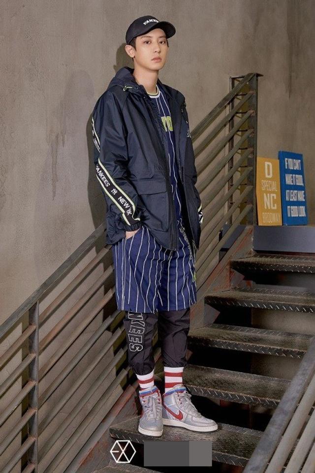 新浪娱乐讯 韩国男团EXO近日为代言体育品牌拍摄了一组最新宣传照。吕东垠/文 版权所有Mydaily禁止转载