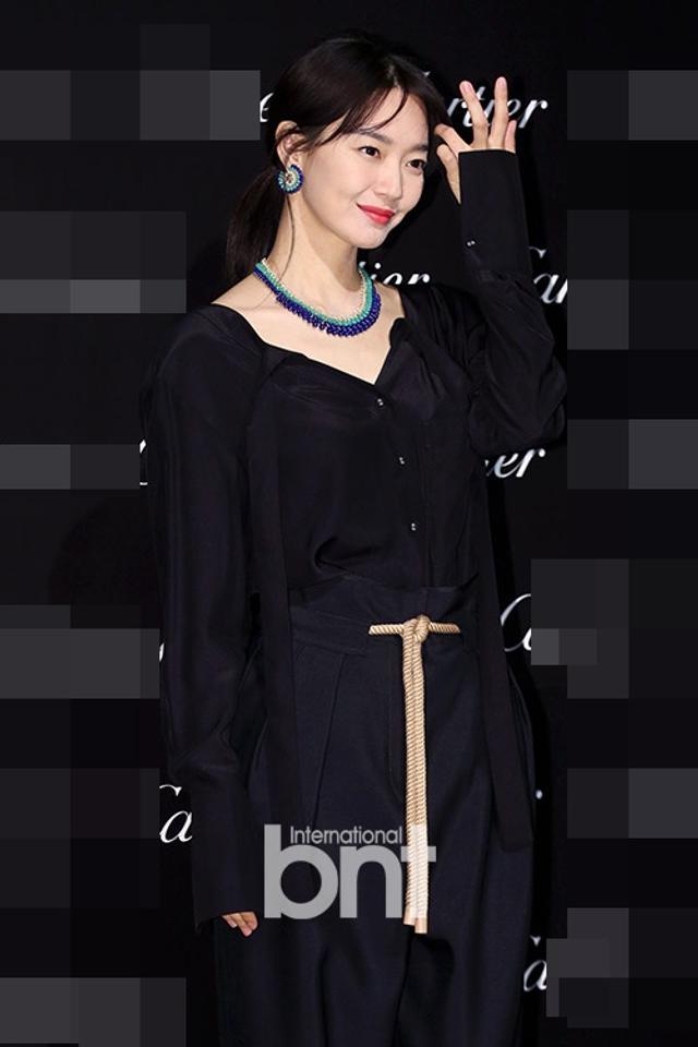 新浪娱乐讯 14日晚,韩国演员申敏儿等出席了在首尔江南区新沙洞K现代美术馆举行的某品牌活动。bnt新闻/供稿 王容/文 白秀砚/图