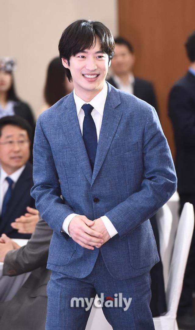 韩星李帝勋担任国税厅大使