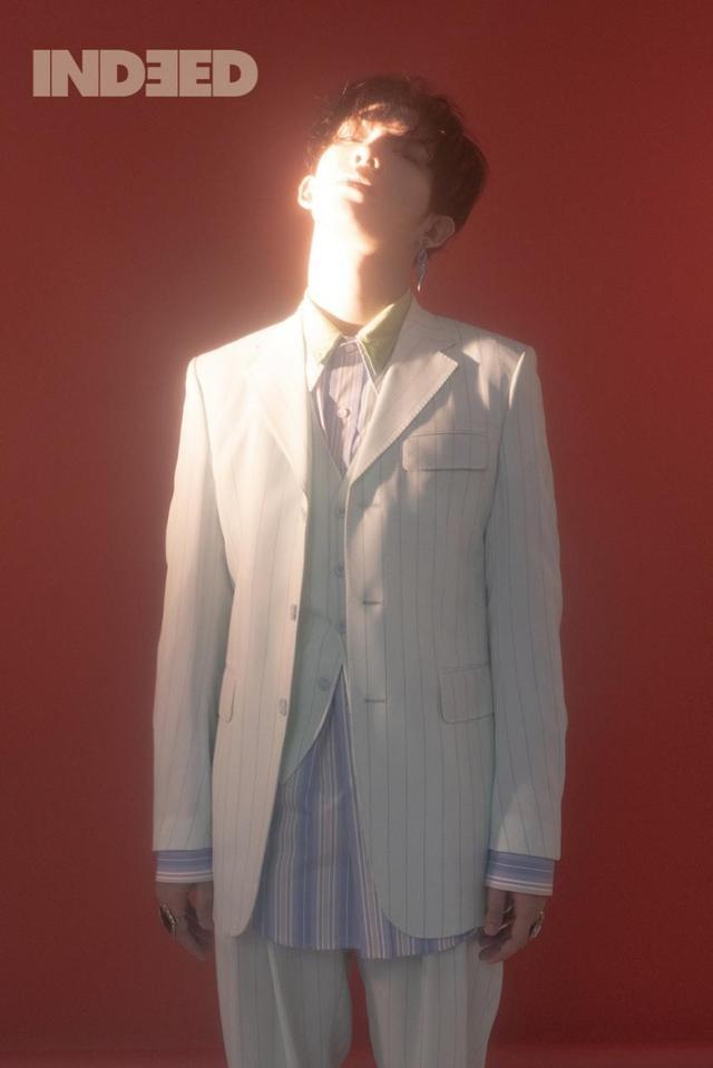 新浪娱乐讯 韩国艺人南太铉的一组最新时装杂志写真今天在网上曝光,吸引了众多粉丝的目光。吕东垠/文 版权所有Mydaily禁止转载