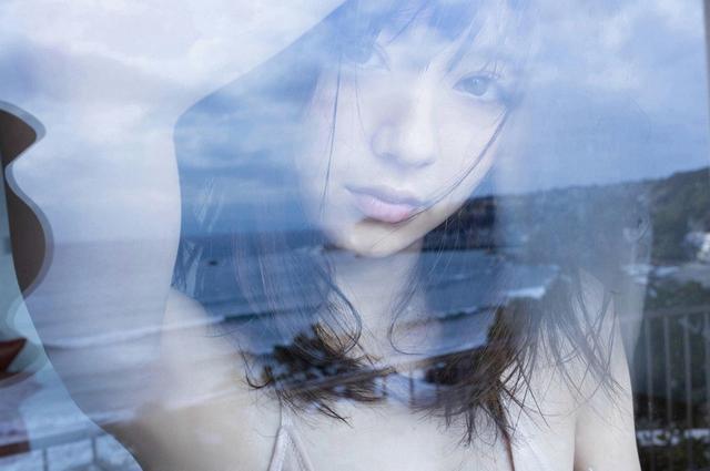 新浪娱乐讯 日前,日本人气女演员、模特逢泽莉娜写真曝光,清纯性感,甜美可人。