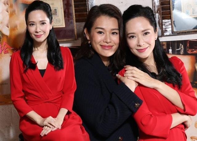 新浪娱乐讯 据香港媒体报道,艺人郭羡妮(Sonija)、胡杏儿日前为电影《朝花夕拾芳华绝代》宣传,Sonija在电影中饰扮演已故天后梅艳芳(阿梅)的忠实粉丝,杏儿则饰演阿梅儿时的好朋友。