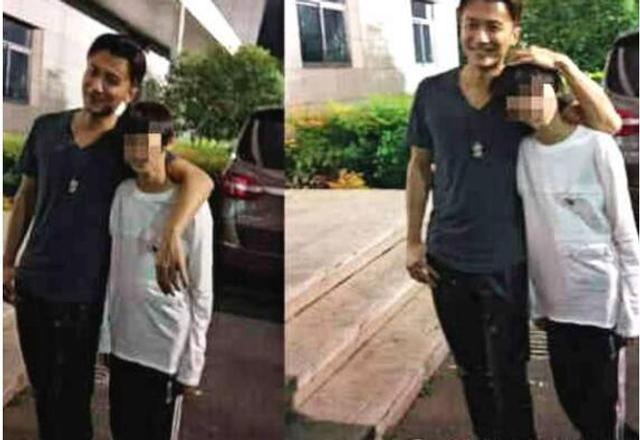 新浪娱乐讯 近日,谢霆锋被曝返港探望儿子,照片中11岁Lucas长成爸爸翻版。