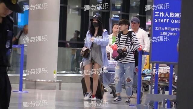 陈若轩方否认与娄艺潇恋情:假的 普通朋友