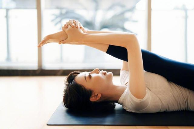 41歲陳數曬瑜伽美照圖片