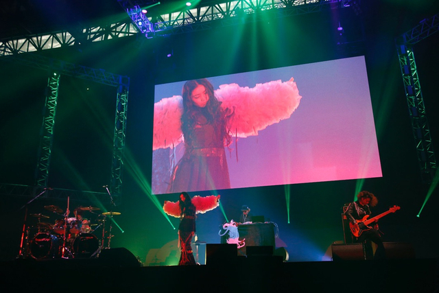 新浪娱乐讯 大型音乐盛典LIVE MONSTER LIVE 2018于7日在千叶幕张展览馆举办。假名坂46、JUON、FANTASTICS、Tokyo Gegegei、Little Glee Monster、THE RAMPAGE from EXILE TRIBE等多组艺人登场