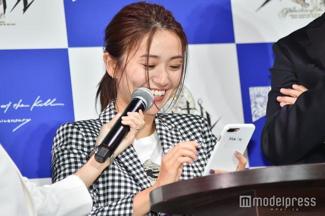 新浪娱乐讯 大岛优子赴美留学归来以后首次出席活动,笑容灿烂显得十分精神。