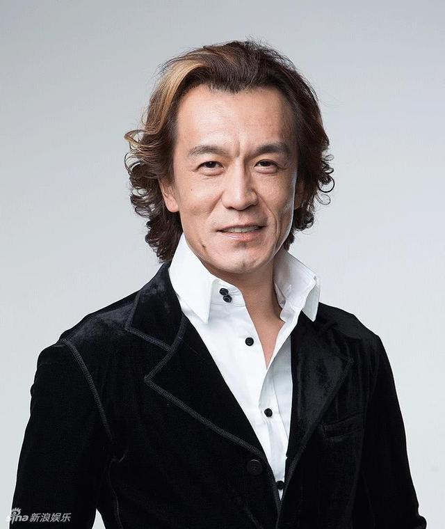 在李咏主持的_李咏因癌症去世年仅50岁_新浪图片