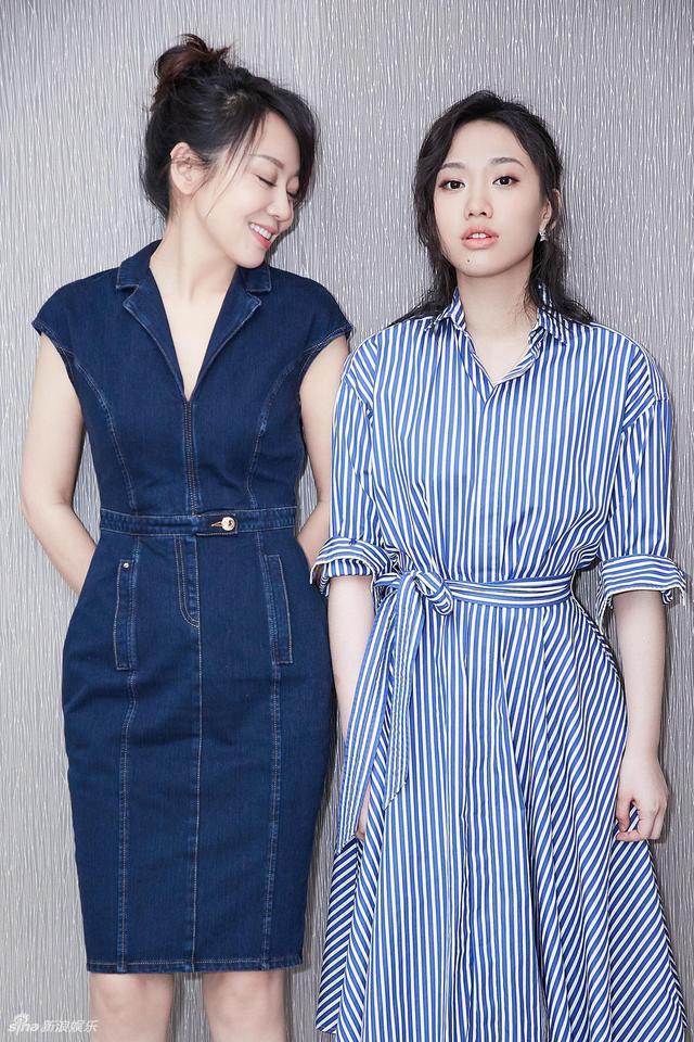 新浪娱乐讯 5月13日,一组闫妮和女儿邹元清拍摄的写真曝光,闫妮保养得宜,母女二人似足姐妹花!