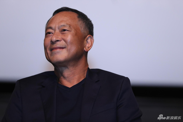 新浪娱乐讯 10月11日,杜琪峰亮相第二届平遥国际电影展,带来本届电影节首场大师班。贾樟柯担任主持人。(宫德辉/摄影)