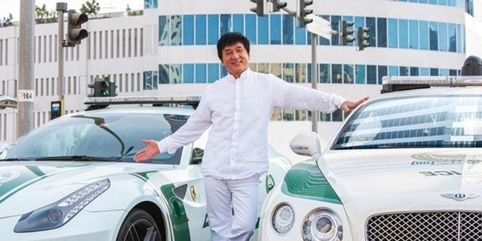 big brother 16季_迪拜王子借70辆豪车给成龙 撞坏还有备用_手机新浪网