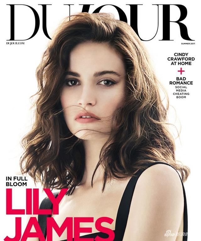 莉莉·詹姆斯(Lily James),1989年4月5日出生于英格兰,英国影视演员。2012年,莉莉·詹姆斯在《唐顿庄园》中饰演了Lady Rose MacClare。