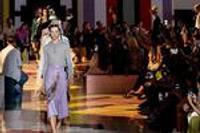 做減法的Prada和找平衡的Burberry 如何在改革中表達自我