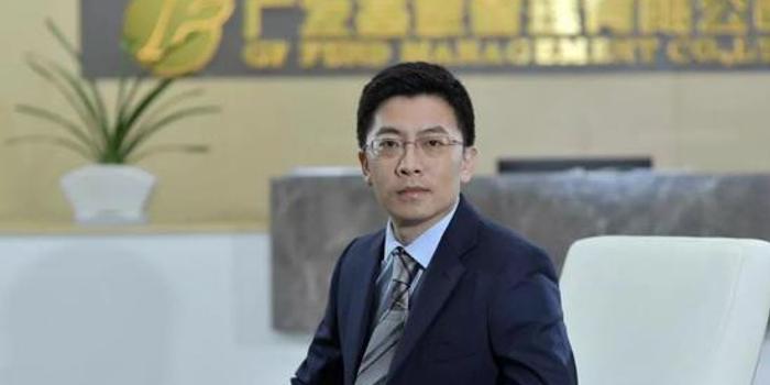 劉格菘基金狂買2股賣5股 帶貨800億感謝信看好科技牛