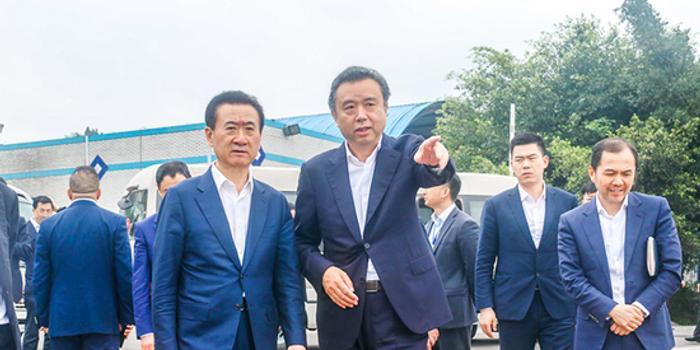 萬達集團董事長王健林考察五糧液集團