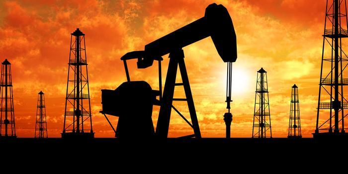 供應過剩隱憂導致原油價格跌至一年最低水平