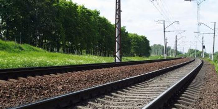 交銀國際:中國鐵建目標價12.20港元 給予買入評級
