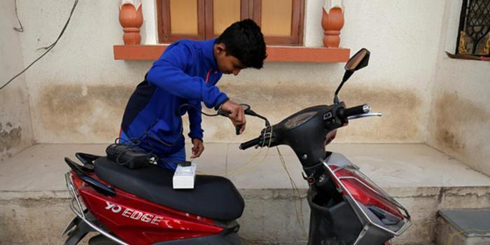據悉印度要求摩托車制造商擬定轉向電動車的計劃