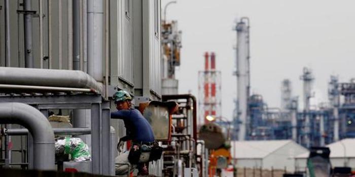 日本10月核心機械訂單意外大減6%
