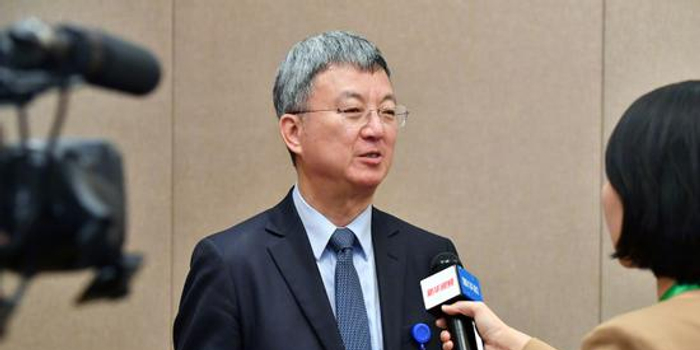 朱民:中美贸易战全球产业链将损失4000多亿