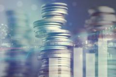 金融委:增强资本市场枢纽功能 全面实行股票发行注册制