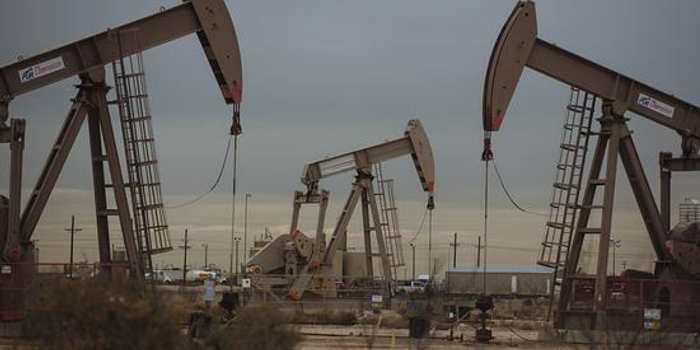 原油期貨價格周二收盤基本持平
