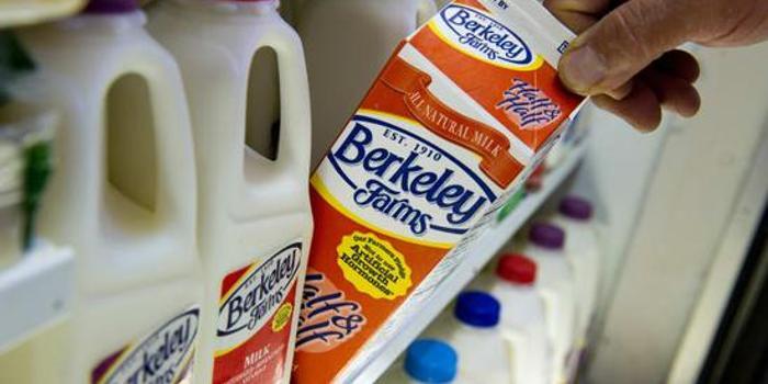 牛奶消费持续下滑 美国最大乳业公司要破产了