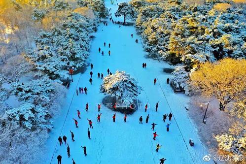 大年夜雪影响交通,但雪后的沈阳美得梦幻