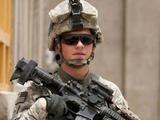 美国人: 中国防弹衣里面有猫腻, 12枪都没打穿, 拆开后一看愣住了!