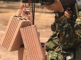 越军学解放军枪管吊砖头,兰州特战狙击手:砖头挂越多