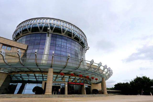 国庆去哪儿玩?带你一次性领略广西十二世居民族风采,广西民族博物馆你值得拥有!