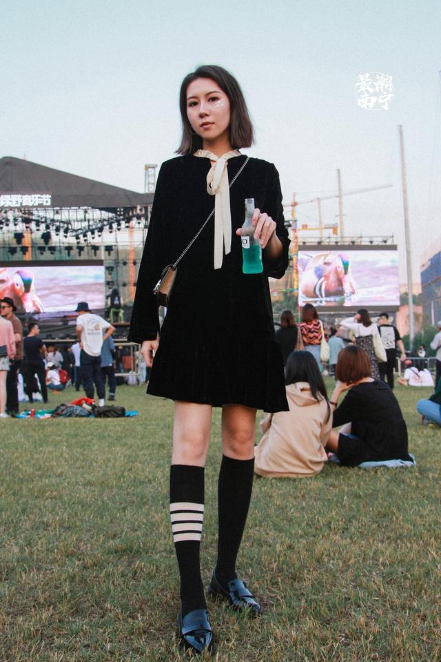 潮人聚会——绿野音乐节,今年的绿野音乐节你最pick谁的LOOK?(新浪广西/孙江月摄)