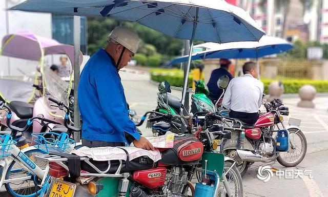 27日白天,冷空气影响范围进一步扩大,广西大部分地区气温明显下降,秋天气息渐渐显现。(来源:广西天气网)