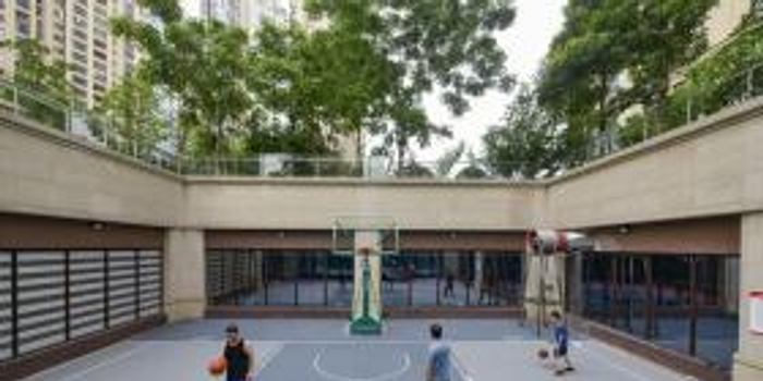 小区业主众筹建篮球场球场建成后业主零投诉,来运动的人越来越多
