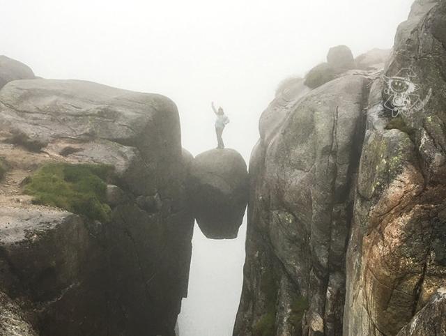 挪威徒步三奇石之一【图文:新浪博客@Majo】