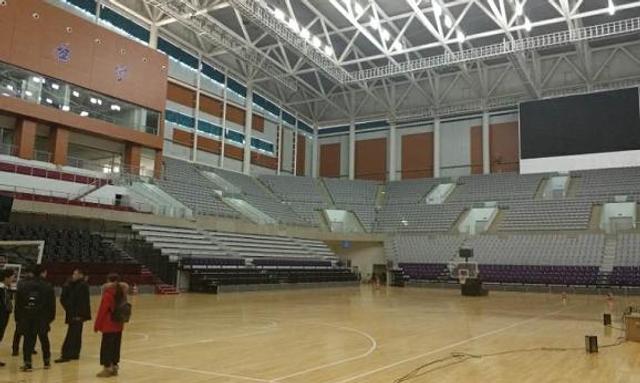 为了迎接辽篮主场重回沈阳,辽宁体育馆一直在进行改造。改造方面包括重新铺设地板,增设 1000 个移动座椅和主席台座椅。改造完毕之后,能够容纳 12000 名观众的辽宁体育馆设施一流,目前场地条件仅次于北京、深圳和广东队的主场。