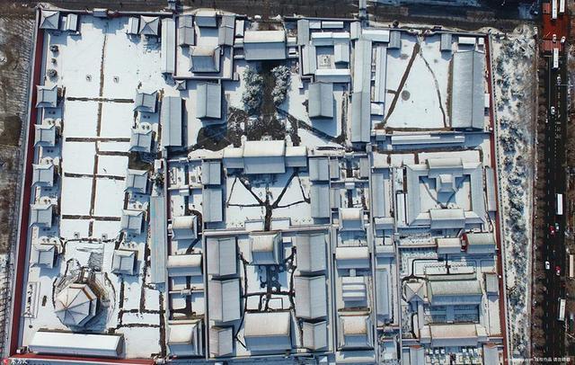 辽宁省沈阳市,沈阳迎来大雪天气,沈阳故宫在皑皑白雪的映衬下古朴宁静,分外美丽。