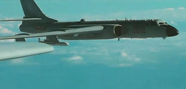 别惹战神!空军首曝轰6K驱离外机干扰