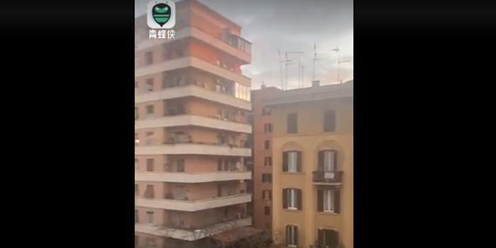 罗马上空奏响中国国歌 意大利民众高喊谢谢中国