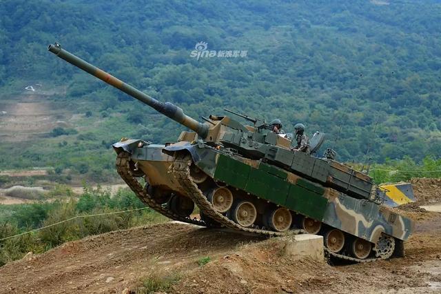据外媒宣称,日前阿曼已经与韩国达成购买76辆K-2坦克的协议,这笔交易金额约为8.84亿美元。