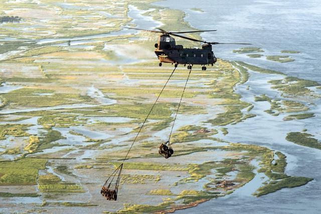 """加拿大的维和部队也称""""高度戒备旅""""。""""高度戒备旅""""是一个相当新颖的概念。自成立初期,联合国便多次呼吁成员国组建一支高度戒备部队,而加拿大则是积极响应的一员。"""