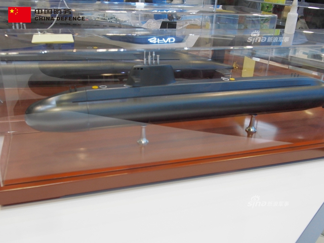 中国在马来西亚防务展上高调展示了多款潜艇,包括了200、600、1700、2600吨,其中包括了出口巴基斯坦8艘的麒麟级常规潜艇。这次主推马来西亚,也是因为马来西亚潜艇已经老旧,需要替换。(新浪军事独家拍摄,全网首发)
