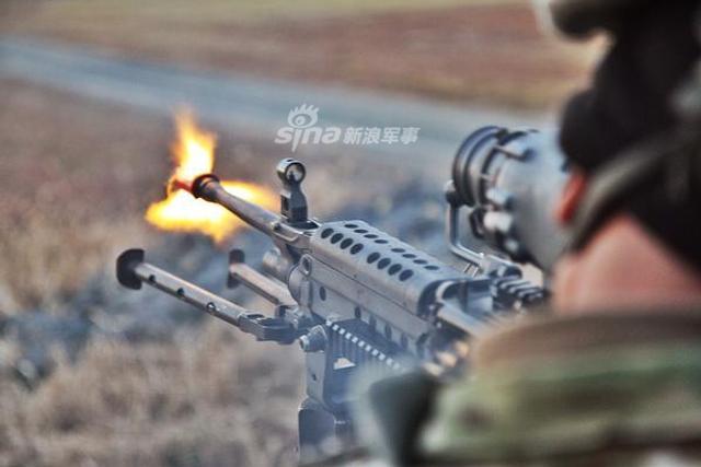 """美国陆军近日举行""""冷钢III""""行动,该行动主要用于训练陆军特遣部队,培训其使用各种武器的能力。"""
