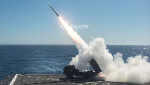 美国军队一直以来都是世界第一强的武装力量,虽然目前仍然保持着这种能力,但是其对手已经拥有越来越多能对美军造成威胁的能力。对于美国海军陆战队来说也是一样,自二战结束后就再也没遇到可能从海上威胁到他们的对手,如今这种局面发生了变化,美国的对手已经出现了。(烽火军事)
