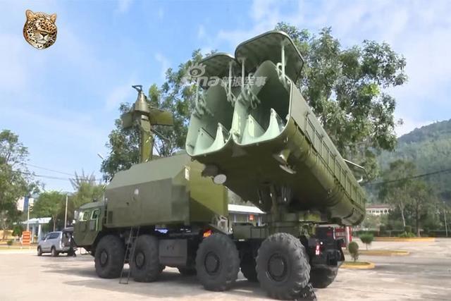 """俄罗斯4K51""""冥河""""岸舰导弹由发射控制装置,导弹发射器和雷达机舱组成,因此具有强大的火力和机动能力;虽然年龄已经偏大,但它现在还是越南人民海军的主要海军防御力量之一。(鼎盛军事)"""