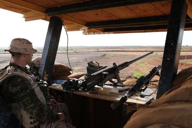 50名爱沙尼亚士兵开始在马里保护法国军事基地,在2018年1月23日双方就打击非洲撒哈拉以南地区的伊斯兰武装组织的叛乱活动进行了讨论。(鼎盛军事)
